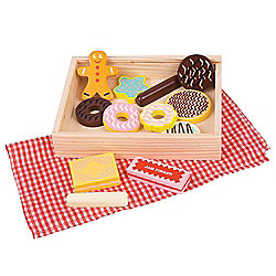 Bigjigs Toys BJ731 Wooden Play Food Box of Twelve Biscuits