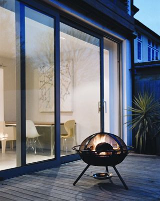 Hotspot patio brazier with safety cover