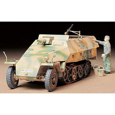 Tamiya 35147 Sd.Kfz. 251:9 Kanonenwagen 1:35 Military Model Kit