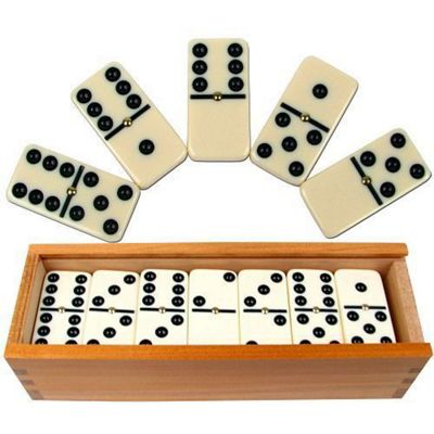 Precision Professional Erinoid Set Club Dominoes / Raised Pin & Wood Box