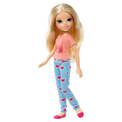 Moxie Basic Doll Avery