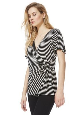 F&F Ring Detail Wrap Front Top Black/White 16