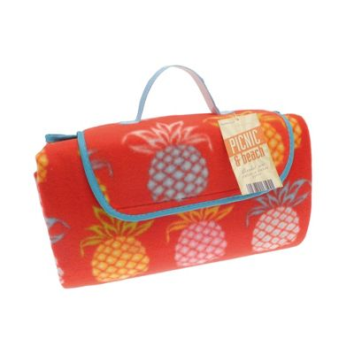 Country Club Picnic, Beach Blanket 130 x 150cm, Pineapple Red