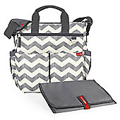 Skip Hop Changing Bag DUO Signature (Chevron)