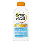 Ambre Solaire Light & Silky Lotion SPF30 200ml