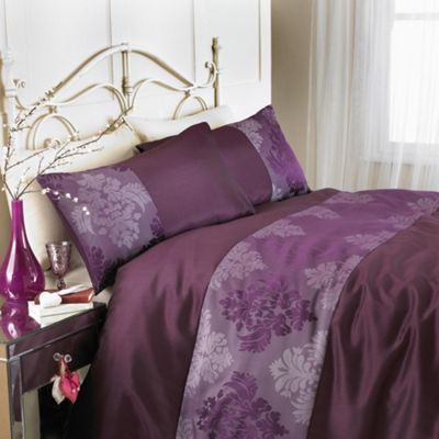 Country Club Rococo Double Bed Duvet Set in Plum