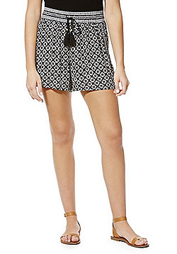 F&F Diamond Print Crinkle Shorts - Black