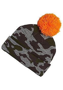 F&F Camo Bobble Hat - Green