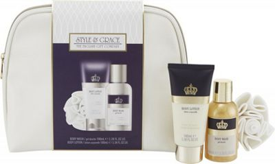 Style & Grace Signature Bath & Body Gift Set 100ml Body Lotion + 100ml Body Wash + Shower Flower + Bag