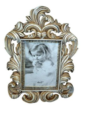 Antique Cream Wreathed Photoframe