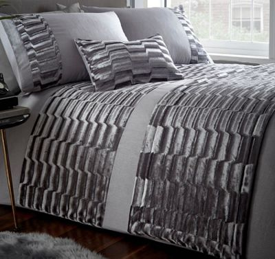 Murray, Grey Crushed Velvet King Size Bedding