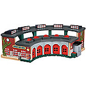 Thomas and Friends Wooden Railway Deluxe Roundhouse Playset