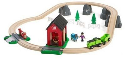 BRIO Countryside Horse Train and Track Set with Shed 33790