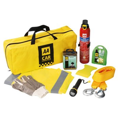 AA Tesco Essential Winter Kit