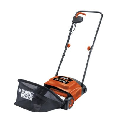 BLACK+DECKER GD300-GB 600W Electric Lawn Raker
