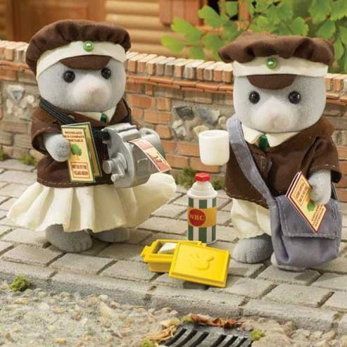 Sylvanian Families Bus Driver & Conductor
