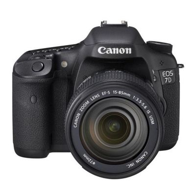 Canon EOS 7D Digital SLR & EF-S 15-85mm f/3.5-5.6 IS USM Lens Kit