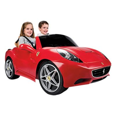 Feber Famosa Ferrari California Ride-On Car