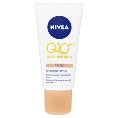 NIVEA Q10 Plus Anti-Wrinkle Tinted Day Cream SPF 15 50ml
