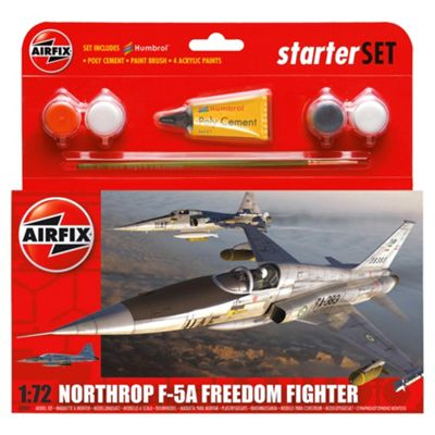 Airfix F5A Freedom Fighter 1:72 Scal Cat 1 Gift Set