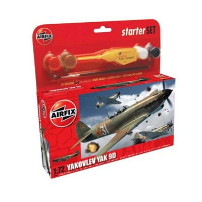 Hornby Airfix Kit Yakovlev Yak 9D 1:72 Scale Cat 1 Gift Set