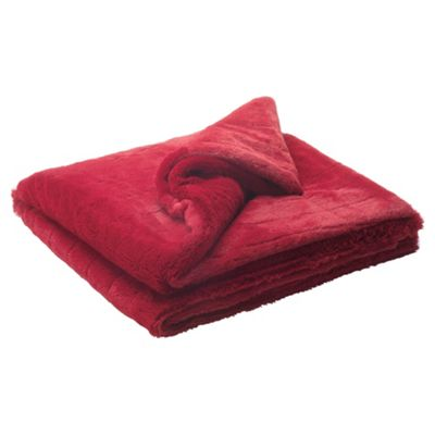 Tesco ribbed faux fur throw berry