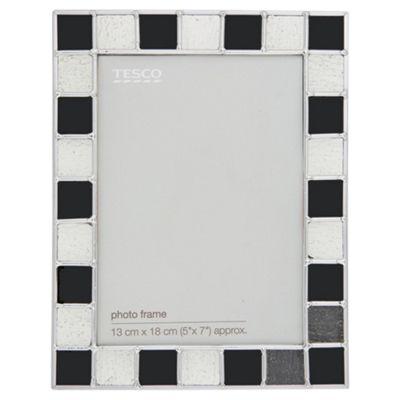 Tesco Chequer Frame 5x7