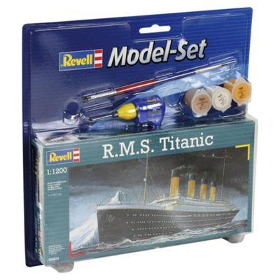 Revell R.M.S Titanic 1:1200 Scale Model Set