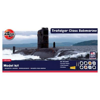 Airfix A50021 Royal Navy Trafalgar Class Submarine 1:350 Scale Modern Warship Gift Set
