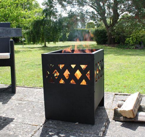 La Hacienda Square Lattice Steel Fire Basket