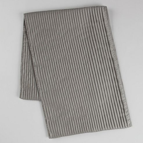 Silver Pleated Runner