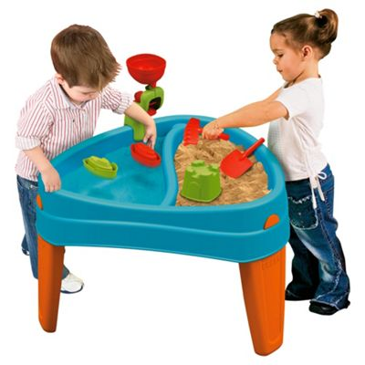 Famosa Play Island Play Table
