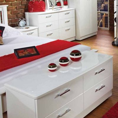 Welcome Furniture Mayfair 4 Drawer Chest - Light Oak - Aubergine - White