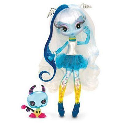 Novi Stars Una Verse Doll