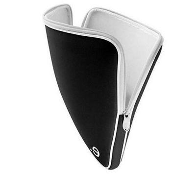 Be-ez LA robe Classic Sleeve for MacBook Pro 15.4 inch - Black/White