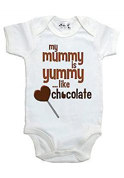 Dirty Fingers My Mummy is yummy like chocolate Baby Bodysuit - White