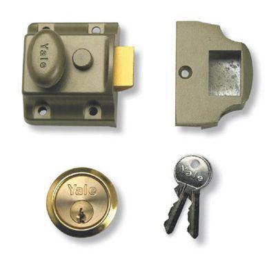 YALE 723 Non-Deadlocking Traditional Nightlatch - 40mm PB Boxed