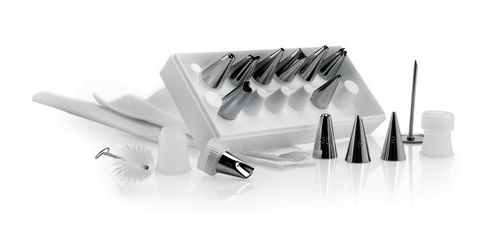 Icing /Decorating Set with 12 Nozzles