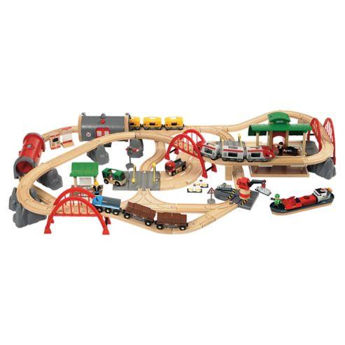 Brio Deluxe 87-Piece Wooden Railway Set