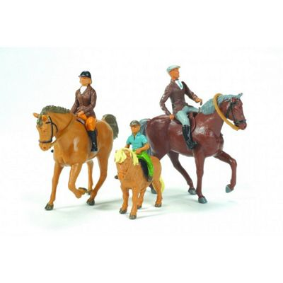 Horses And Riders - Scale 1:32 - Britains Farm