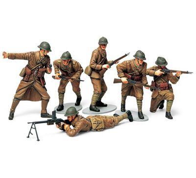 Military Miniatures WW2 French Infantry Set - 1:35 Scale Military - Tamiya