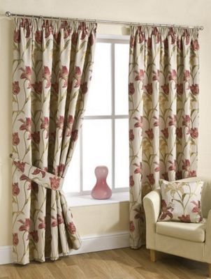 Lola Pencil Pleat Curtains : Chintz, 117x229cm