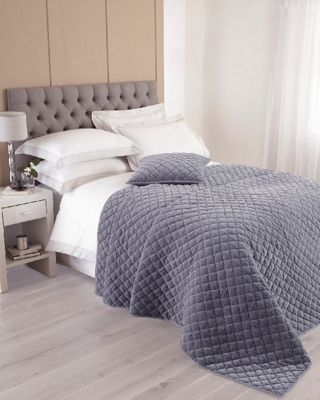 Riva Home Annecy Violet Bedspread - 265x265cm