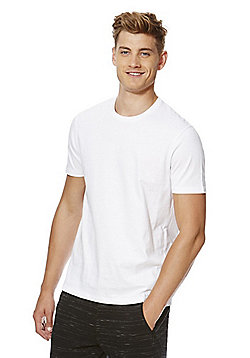 F&F Crew Neck T-Shirt with As New Technology - White