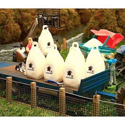 Brushwood Bt3040 Dumpy Bags: Artificial Fertiliser - 1:32 Farm Toys
