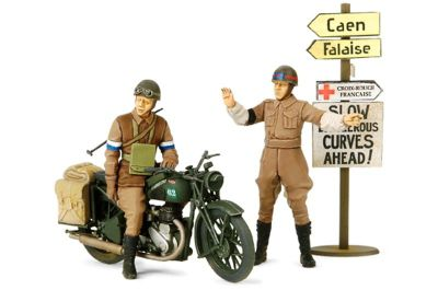 Military Miniatures British BSA M20 Motorcycle w/Military Police Set - 1:35 Scale 35316