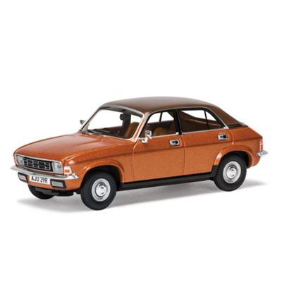 CORGI VA04514 Austin Allegro Series 2 1500 Special, Reynard Metallic
