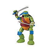 Teenage Mutant Ninja Turtles Mutations Deluxe Pet to Turtles Leonardo Figure