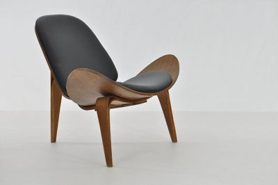 Hans J Wegner Replica CH07 Shell Chair Black
