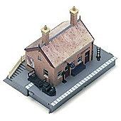 Hornby RailRoad Waiting Room Kit